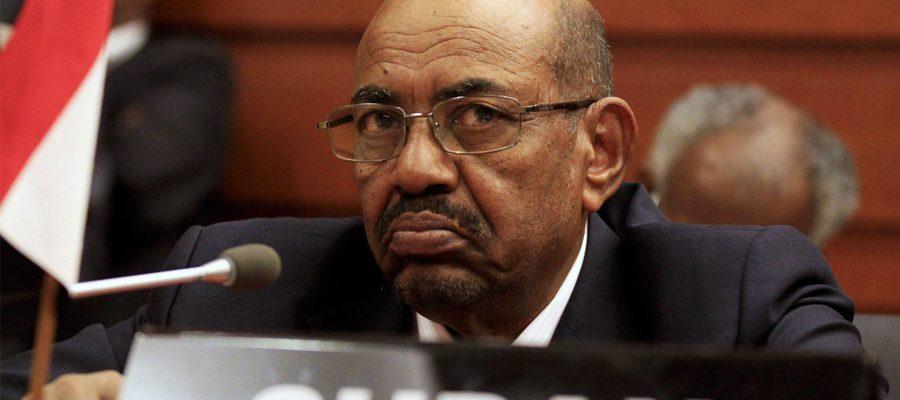 سياسات البشير الإقليمية.. هل تحل أزمات السودان أم تعقدها؟