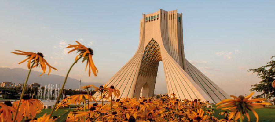 إيران ومحددات سياساتها الإقليمية.. فوضى الدولة ووكلاؤها!
